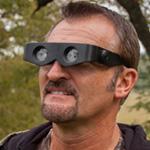 عینک جیمزباند با امکان دیدن پشت سر